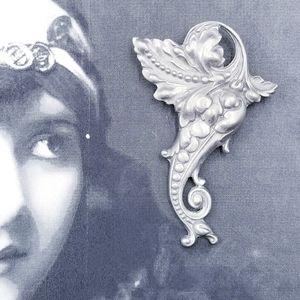 Vintage Art Nouveau style pewter leaves brooch